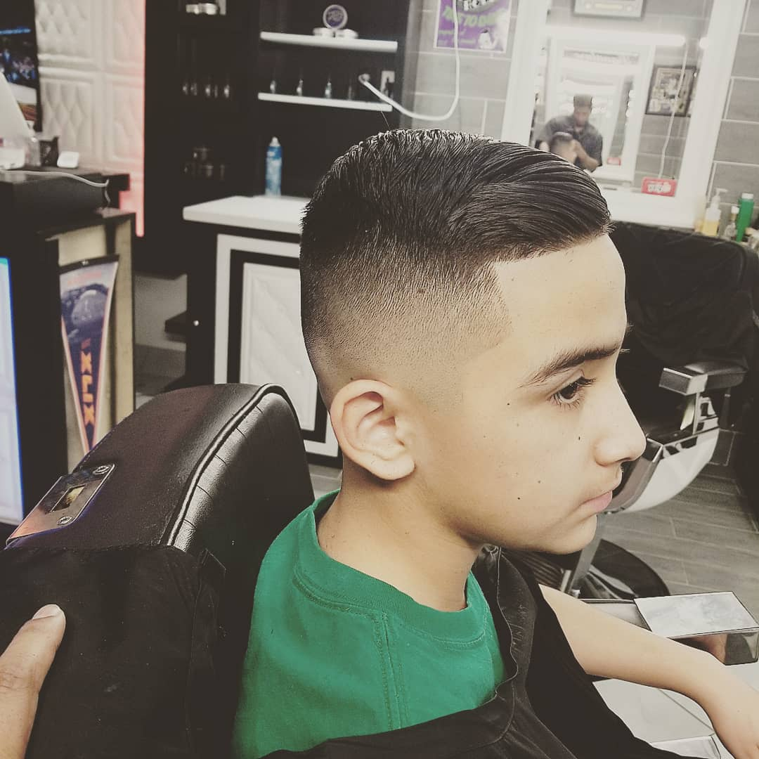 https://signaturebarbershop.net/wp-content/uploads/2020/11/gallery_full-10.jpg