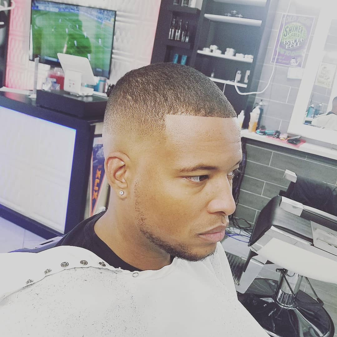 https://signaturebarbershop.net/wp-content/uploads/2020/11/gallery_full-14.jpg