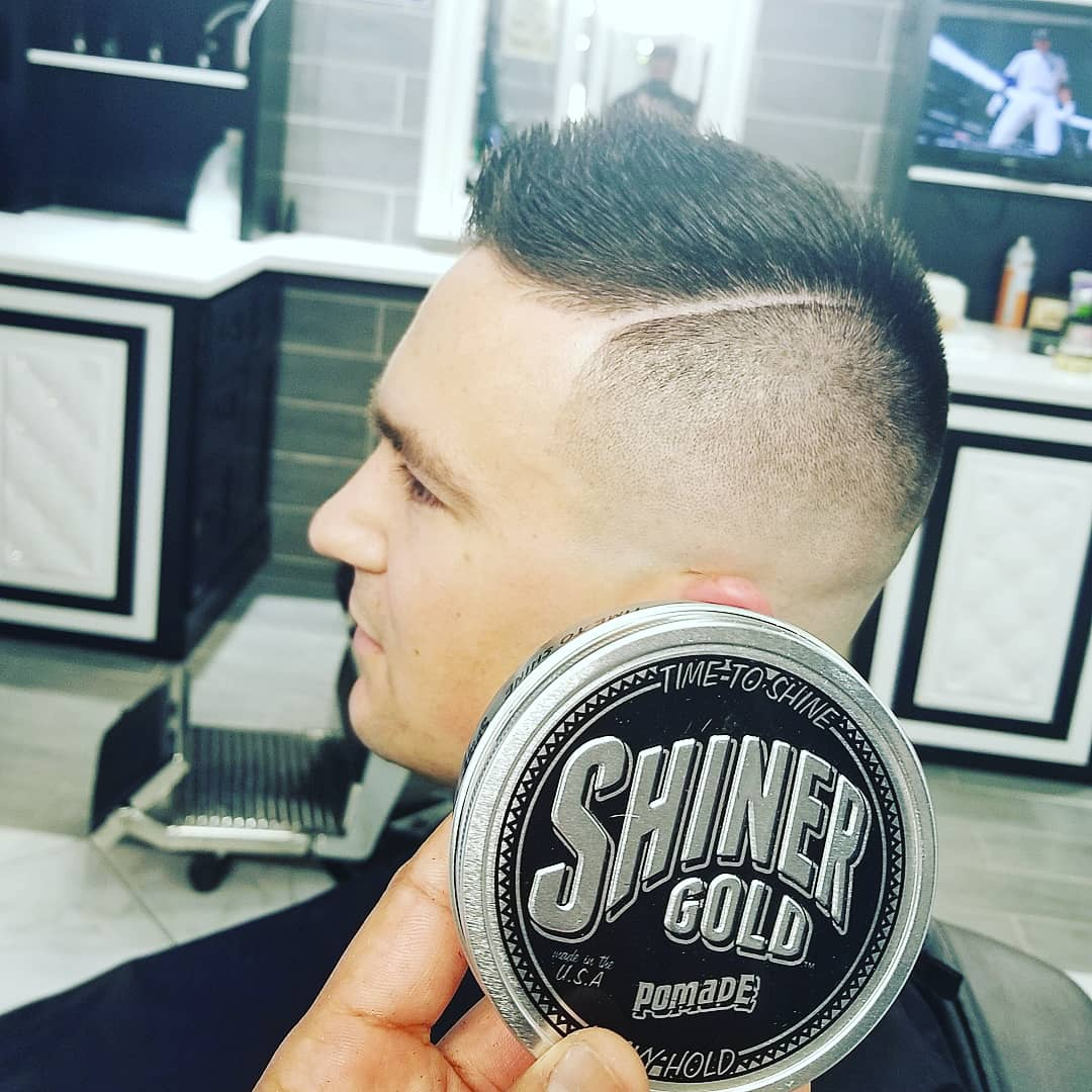 https://signaturebarbershop.net/wp-content/uploads/2020/11/gallery_full-9.jpg